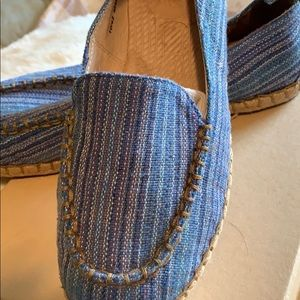 Born espadrilles.  Blue/tan woven
